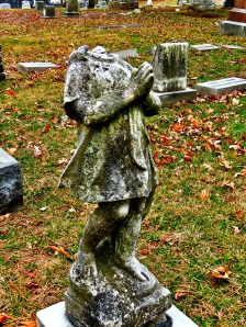 I am magnetically drawn to any statue that has lost its head.